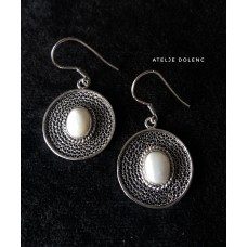 Circle filigree earring