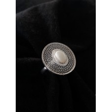 Circle filigree ring