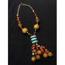 Necklace with wood and semi-precious stones